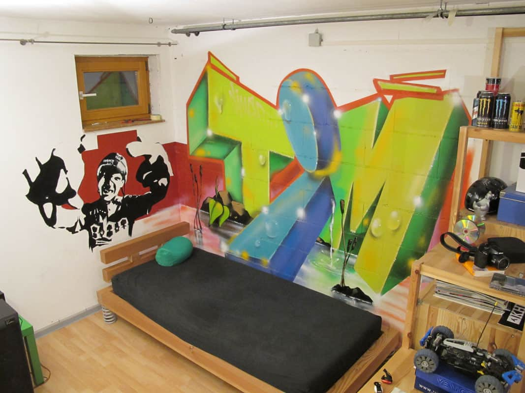 graffiti im jugendzimmer alles ber wohndesign und. Black Bedroom Furniture Sets. Home Design Ideas