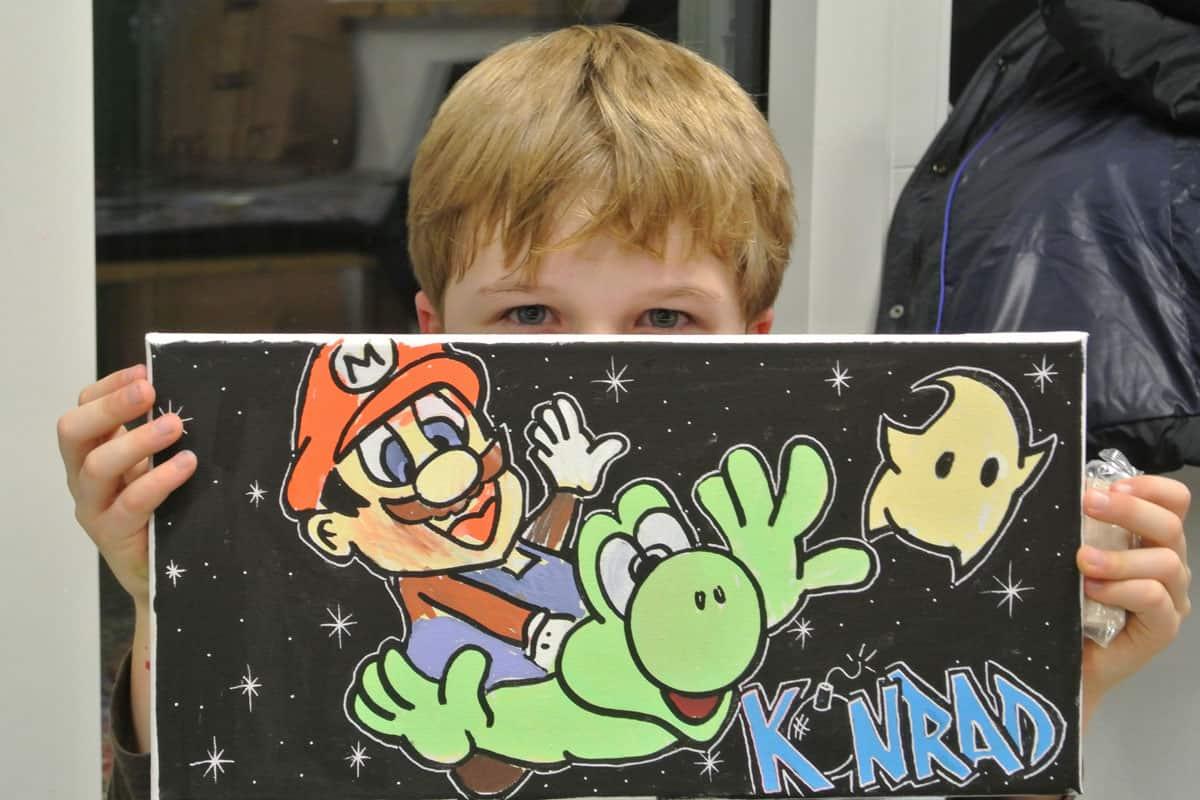 Um den 8. Geburtstag von Konradgebührend zu feiern, haben wir mit ihren Gästen ein coolen Graffiti kindergeburtstag geplant