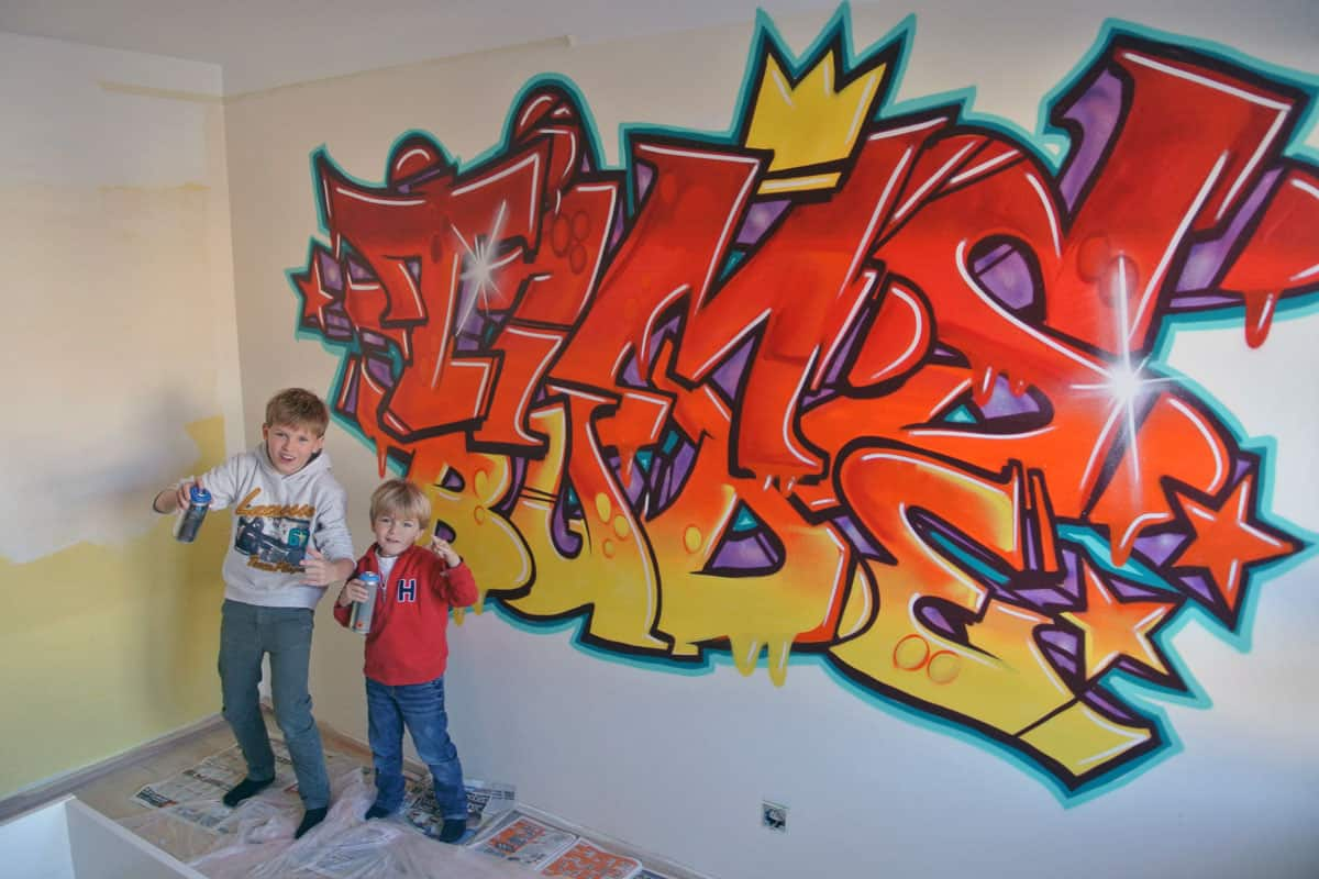 graffiti stuttgart kinderzimmer graffiti tims bude. Black Bedroom Furniture Sets. Home Design Ideas
