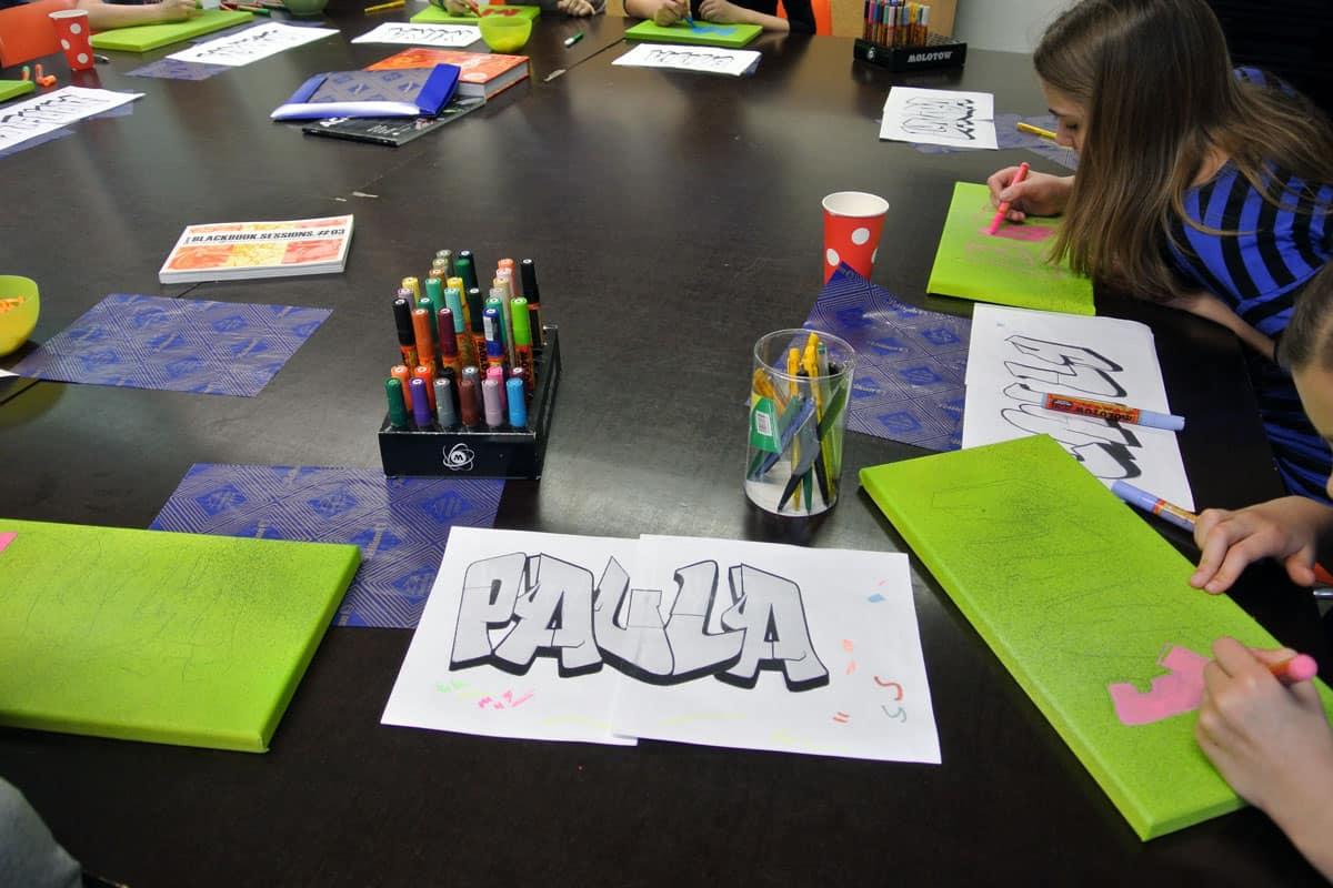 Zum 09. Geburtstag von Paula haben wir von Graffiti Stuttgart mit Ihr und Ihren Gästen einen coolen Graffiti-Kindergeburtstag gefeiert.