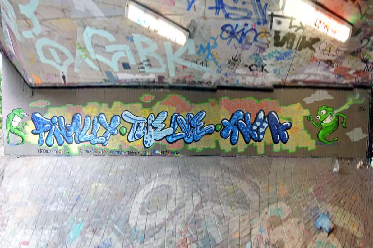 Zum 12. Geburtstag von Anna haben wir von Graffiti Stuttgart mit Ihr und Ihren Gästen einen coolen Graffiti-Kindergeburtstag gefeiert.