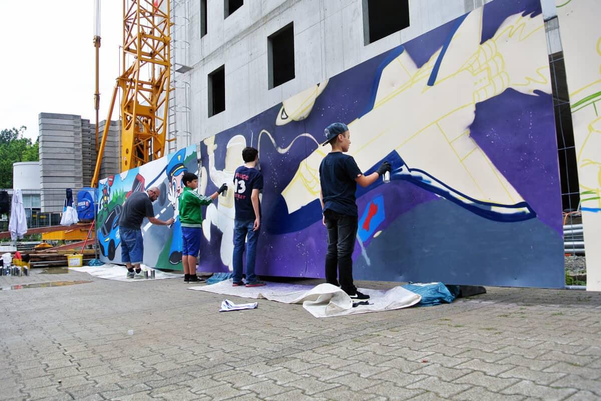 Graffiti Event beim DLR Sommerfest 2014! Wir waren beim diesjährigen Sommerfest des deutsches Luft und Raumfahrtzentrum für eine Mitmachmalaktion.