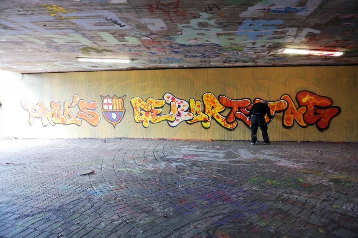 Um den 9. Geburtstag von Paul zu feiern, haben wir mit seinen Gästen ein cooles Graffiti an der Hall of Fame in Stuttgart Bad Cannstatt gesprüht
