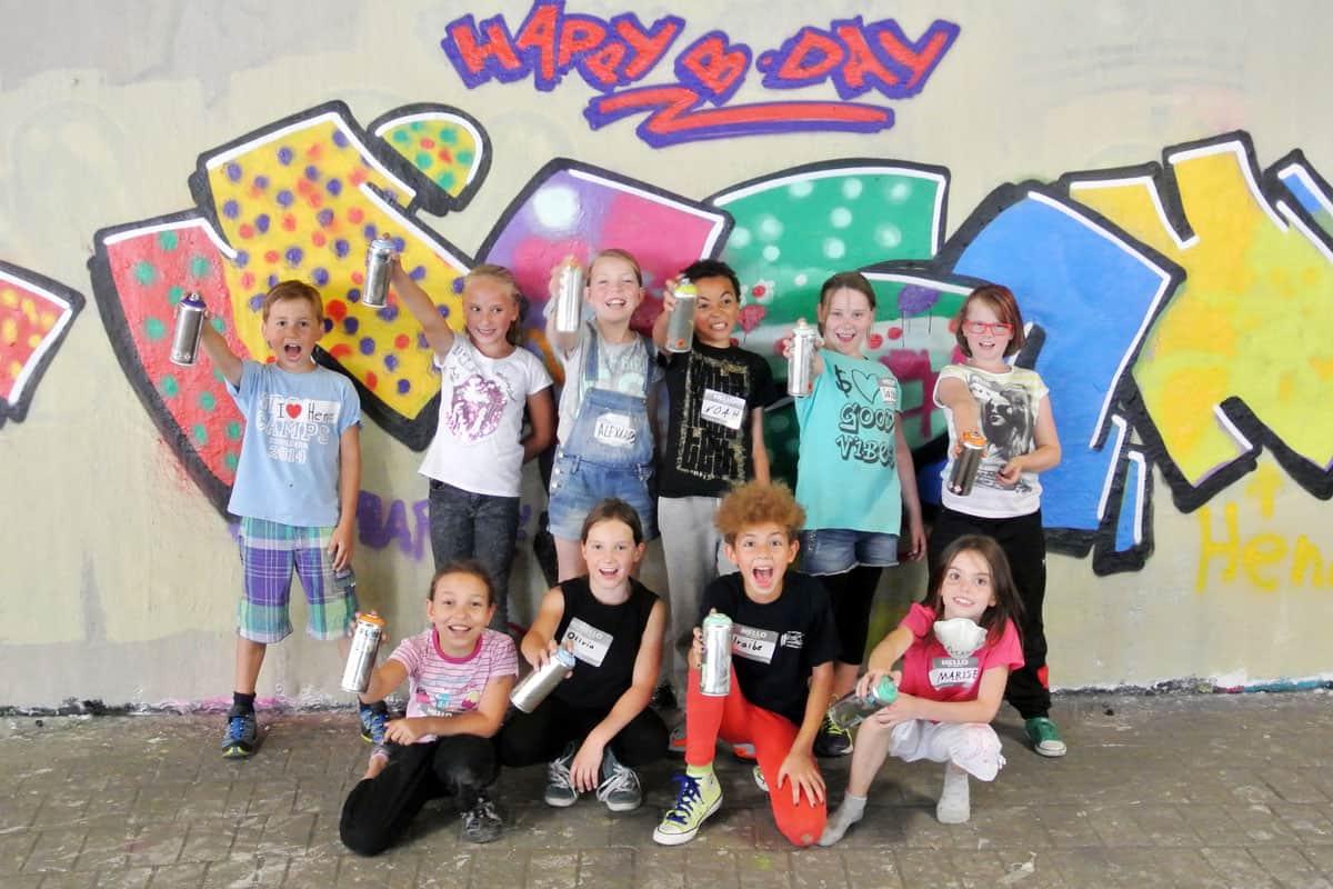 zum 09. Geburtstag von Iraibe haben wir von Graffiti Stuttgart mit Ihr und Ihren Gästen einen coolen Graffiti Kindergeburtstag gefeiert.