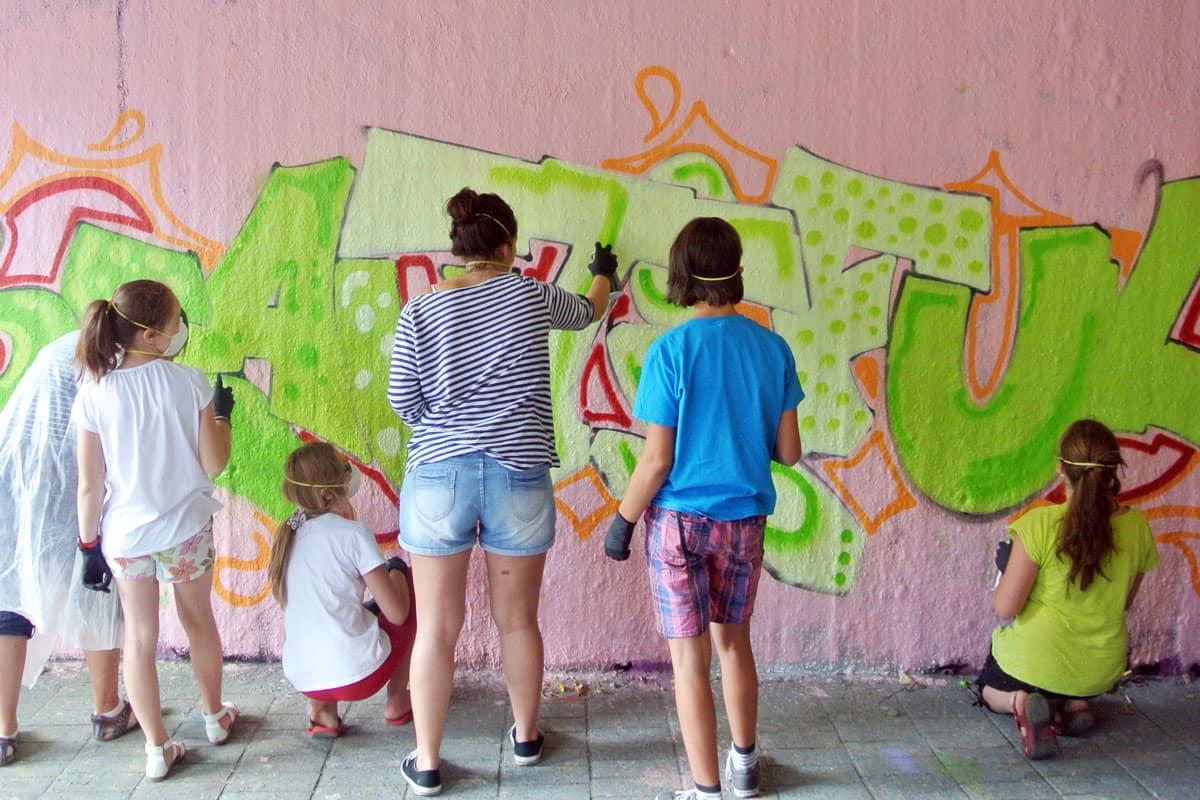 Zum 13. Geburtstag von Annika haben wir von Graffiti Stuttgart mit Ihr und Ihren Gästen einen coolen Graffiti-Kindergeburtstag gefeiert.