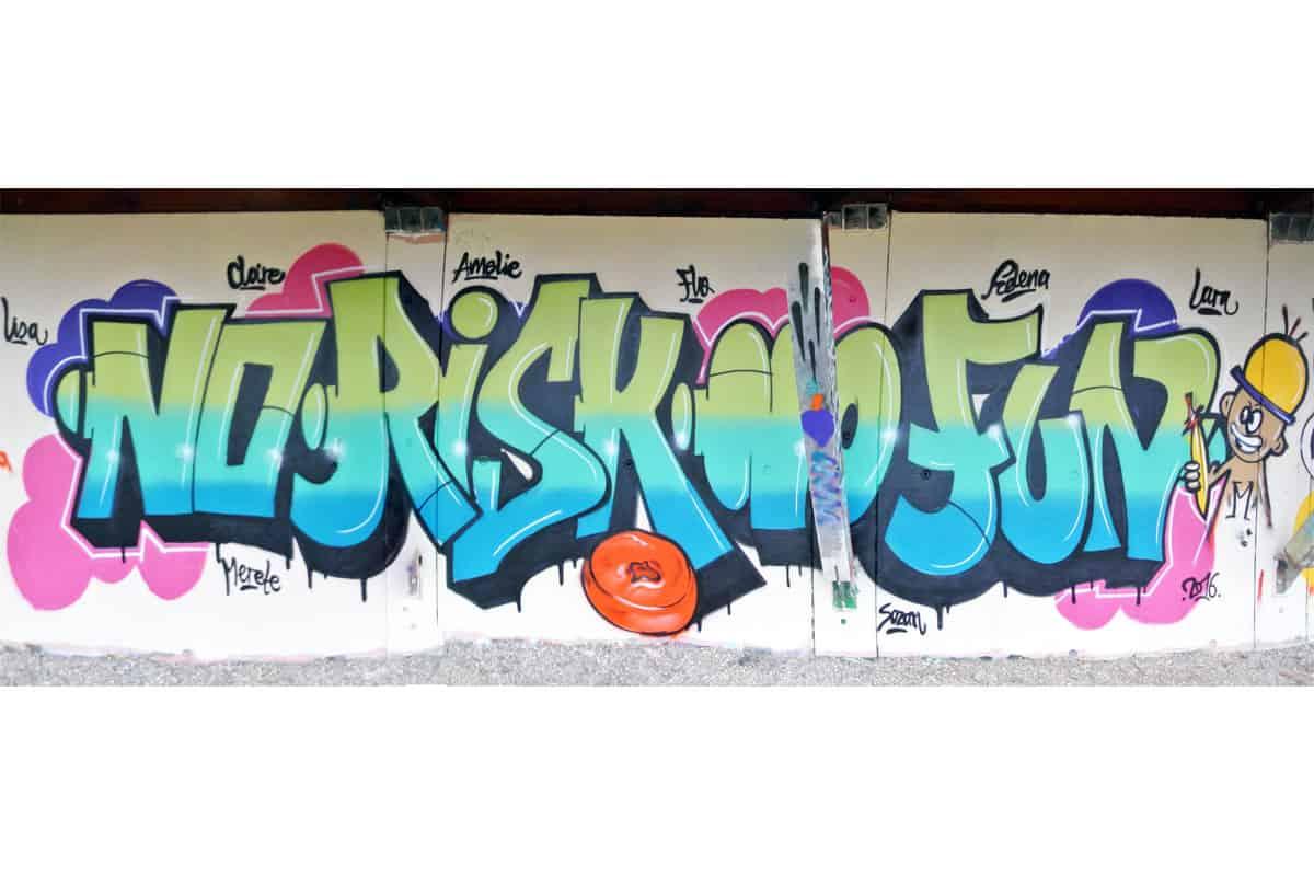 Zum 13. Geburtstag von Lisa haben wir von Graffiti Stuttgart mit Ihr und Ihren Gästen einen coolen Graffiti-Kindergeburtstag gefeiert.