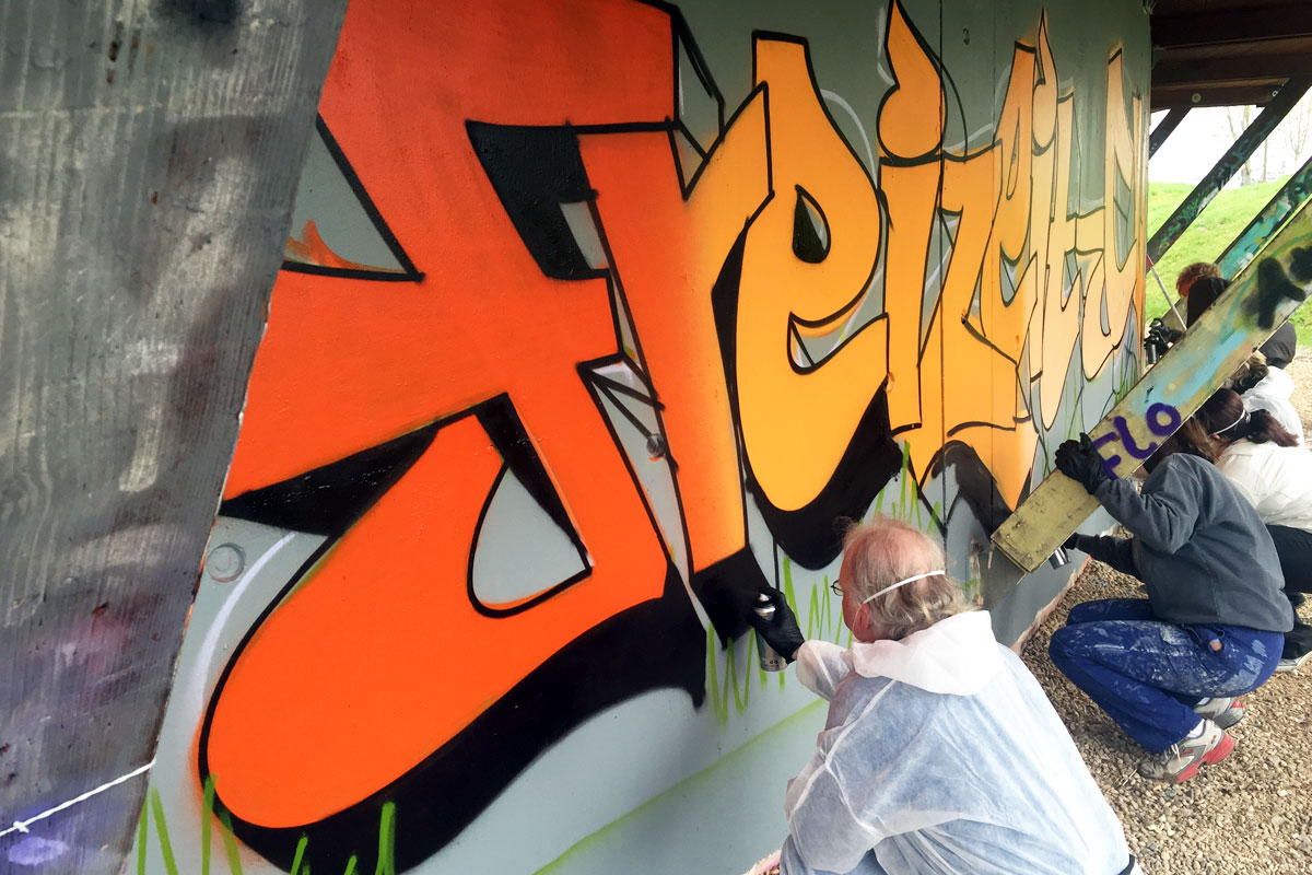 Zusammen mit Daniela haben wir von Graffiti Stuttgart für den Freizeittreff Stuttgart einen cooles Graffiti-Event organisiert.