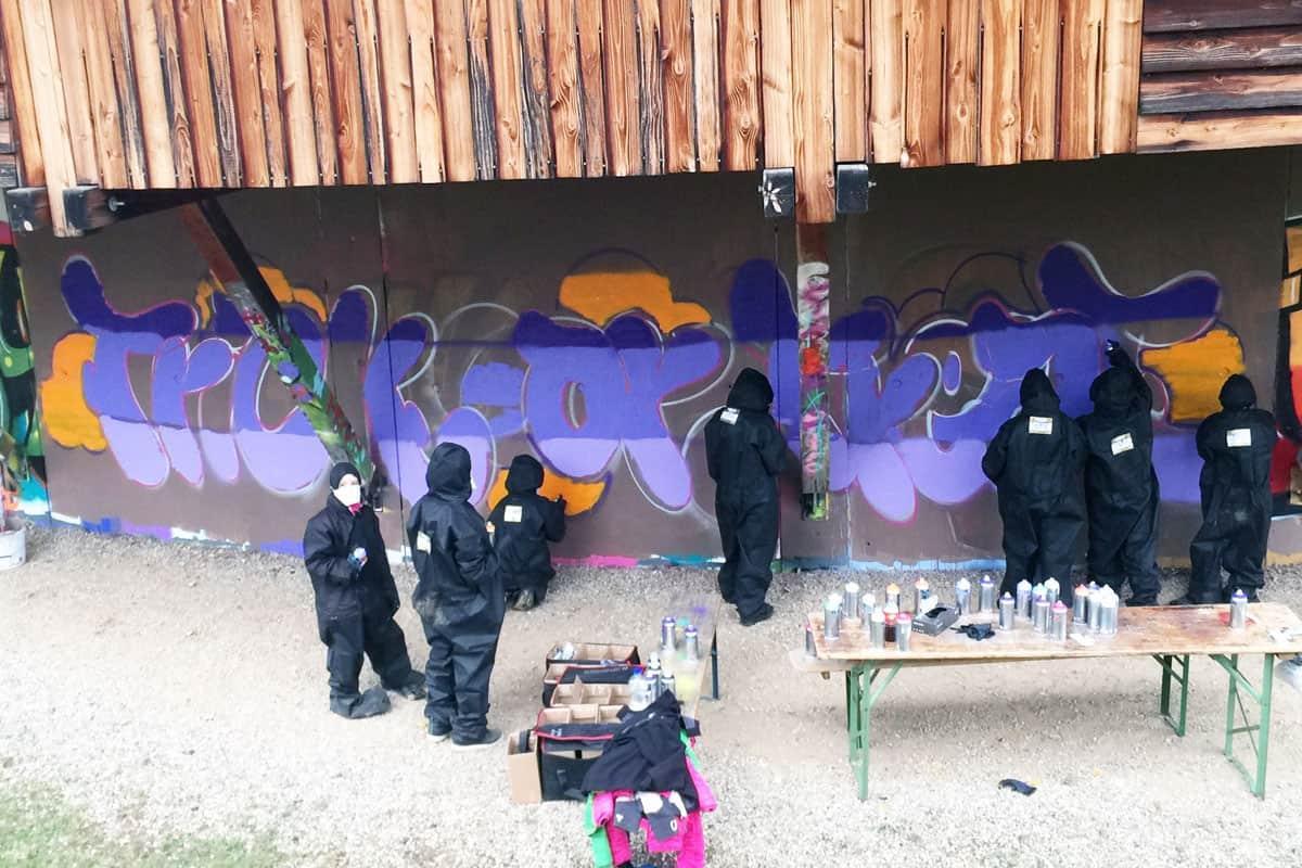 zum 11. Geburtstag von Juliana haben wir von Graffiti Stuttgart mit Ihr und Ihren Gästen einen coolen Graffiti Kindergeburtstag gefeiert.
