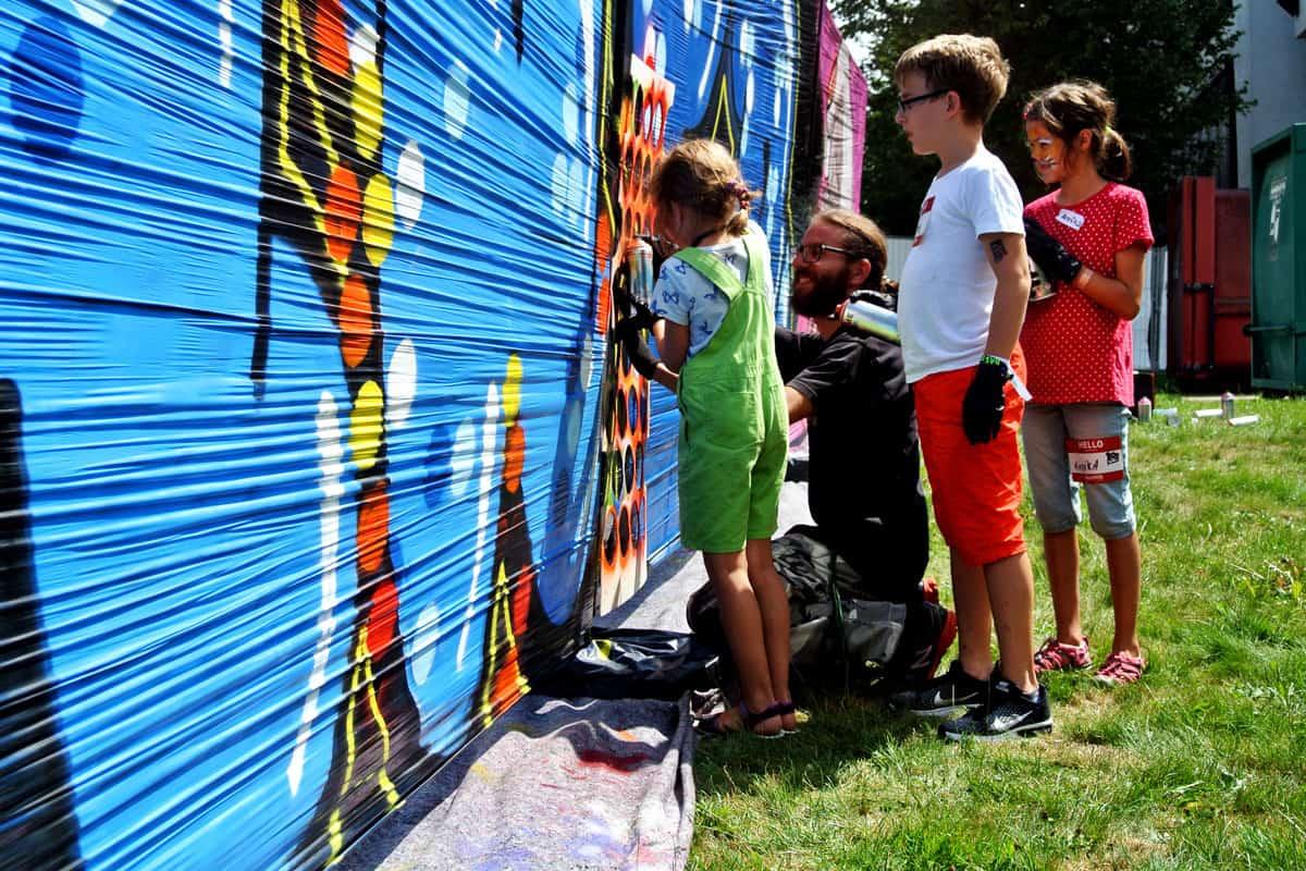 Graffiti Firmenevent VECTOR SOMMERFEST 2017! Beim diesjährigen Sommerfest der Vector Informatik, hatten wir mit den Gästen eine coole Graffiti Malaktion