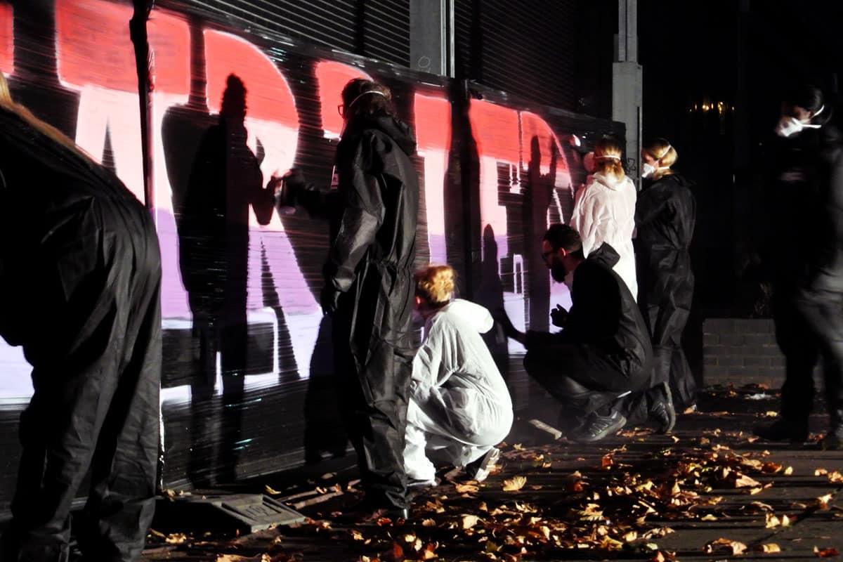 """Graffiti Event Just Married! Im Workshop """"JUST MARRIED"""" hat niemand geheiratet und trotzdem stand die """"Hochzeit"""" für diesen Abend im Vordergrund."""