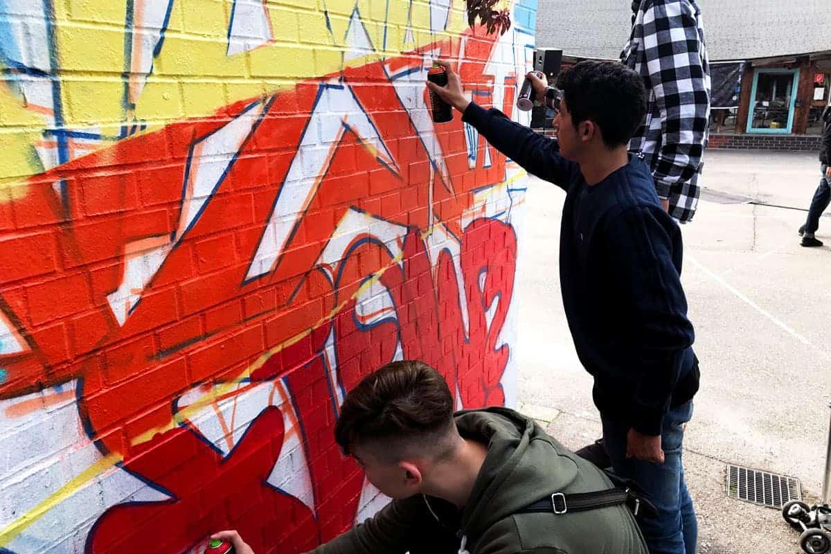 Jährlich zum Sommerfest des Jugendhauses Camp Feuerbach, gestalten Kids der Region zusammen mit Graffiti-Stuttgart ein Teil der Anlage