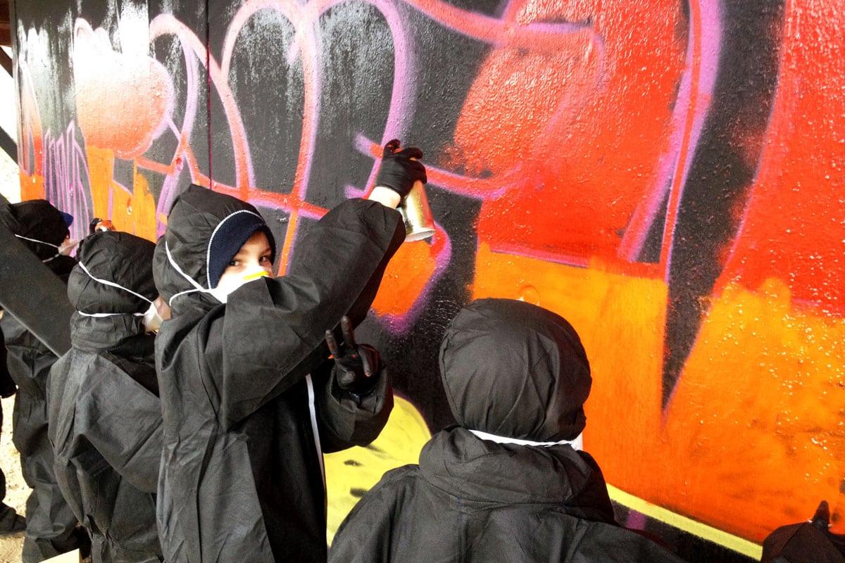 Um den 11. Geburtstag von Jakob gebührend zu feiern, haben wir von Graffiti Stuttgart mit seinen Gästen ein coolen Graffiti Geburtstag gesprüht!