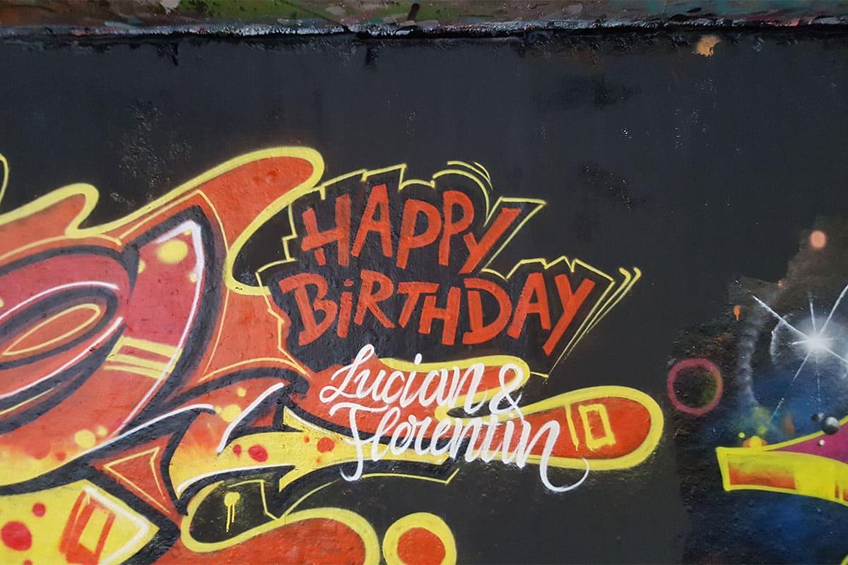 Um den 13. Geburtstag von Lucian & Florentin gebührend zu feiern, haben wir mit seinen Gästen ein coolen Graffiti Kindergeburtstag gesprüht!