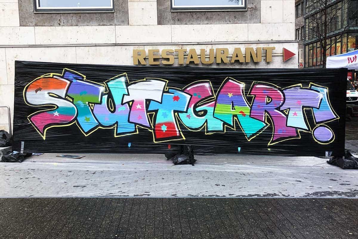 FERIENCAMP MESSE Stuttgart am 01.02.2020 im Stuttgarter Rathaus! Gemeinsam sprühten wir auf der Filmcanvas Hall of Fame ein Riesen Großes XXL Graffiti.