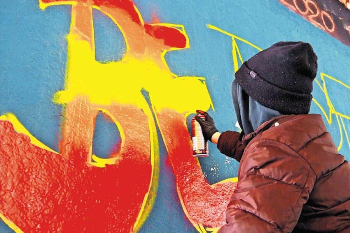 Damit Kunst im öffentlichen Raum nicht zu Sachbeschädigung mutiert, vermitteln Graffiti-Workshops neben Technik auch rechtliches Know-how. Von Marisa Sass-Baitis