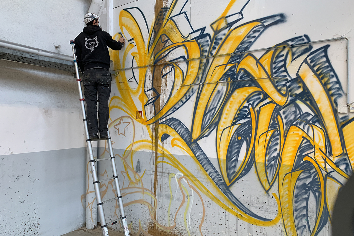 Alte Druckhalle wird zu Graffiti-Leinwand