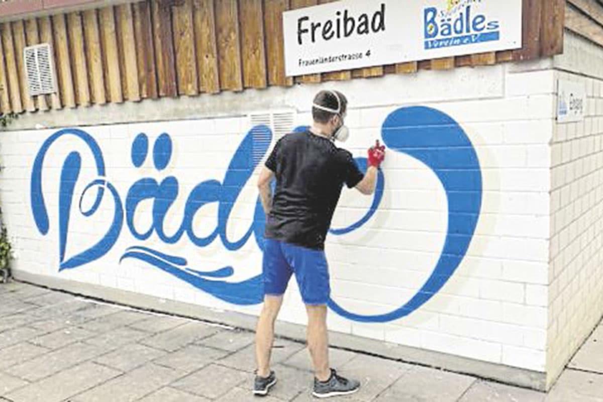 """PRESSE Waiblinger Kreiszeitung: """"Entspannte"""" Saison im Stettener Bädle. Stuttgarter Graffiti-Künstler sorgt für neuen Glanz am Bädle"""