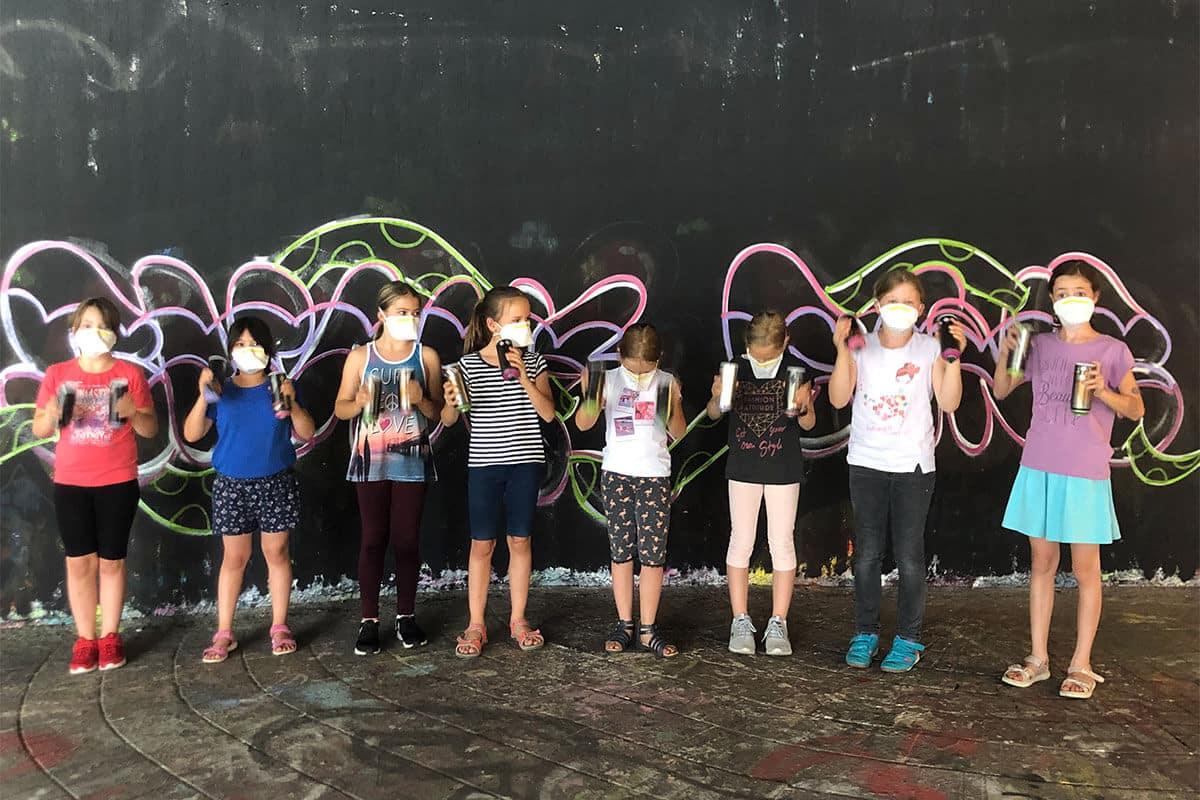 zum 10. Geburtstag von Lilly haben wir von Graffiti Stuttgart mit Ihr und Ihren Gästen einen coolen Graffiti Kindergeburtstag gefeiert.
