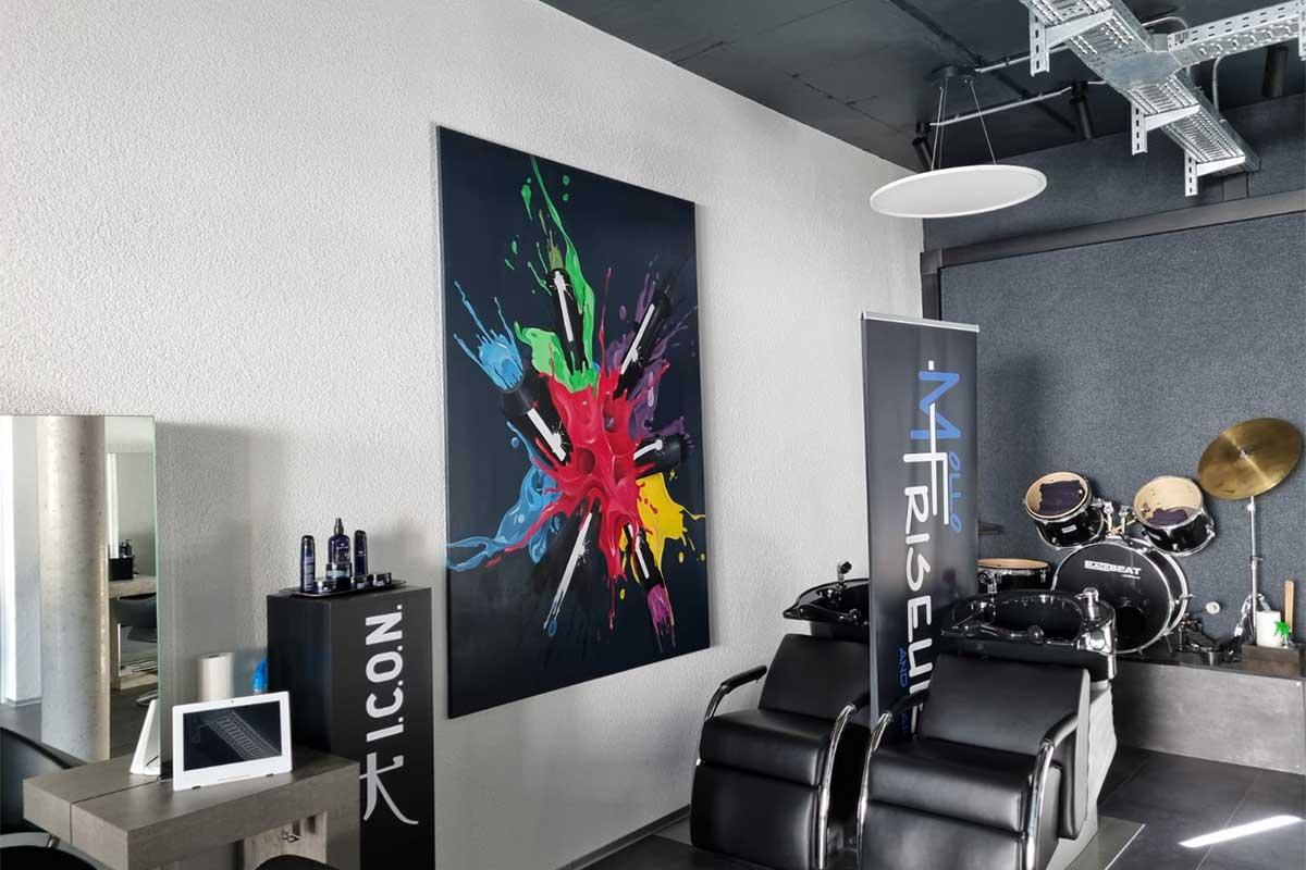 Graffiti Leinwandgestaltung Mollo Friseure. Für den Mollo Friseure Salon aus Gerlingen wurden wir für eine Gestaltungsarbeit gebucht.