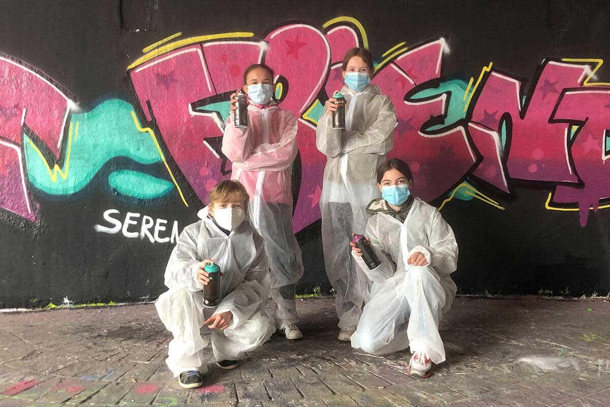 zum 13. Geburtstag von Maya haben wir von Graffiti Stuttgart mit Ihr und Ihren Gästen einen coolen Graffiti Kindergeburtstag gefeiert.