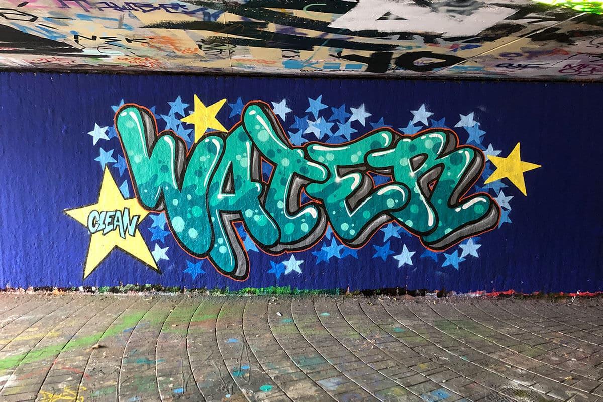Zusammen mit dem Ministerium und dem Jugendhaus haben wir einen Graffiti-Workshop zum Thema Europa ins Leben gerufen.