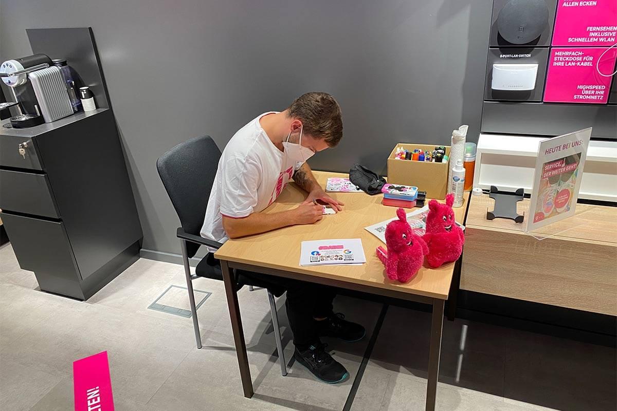 In Zusammenarbeiten mit DO IT!, haben wir für den Telekom Shop Sindelfingen ein Customizing Event organisiert.