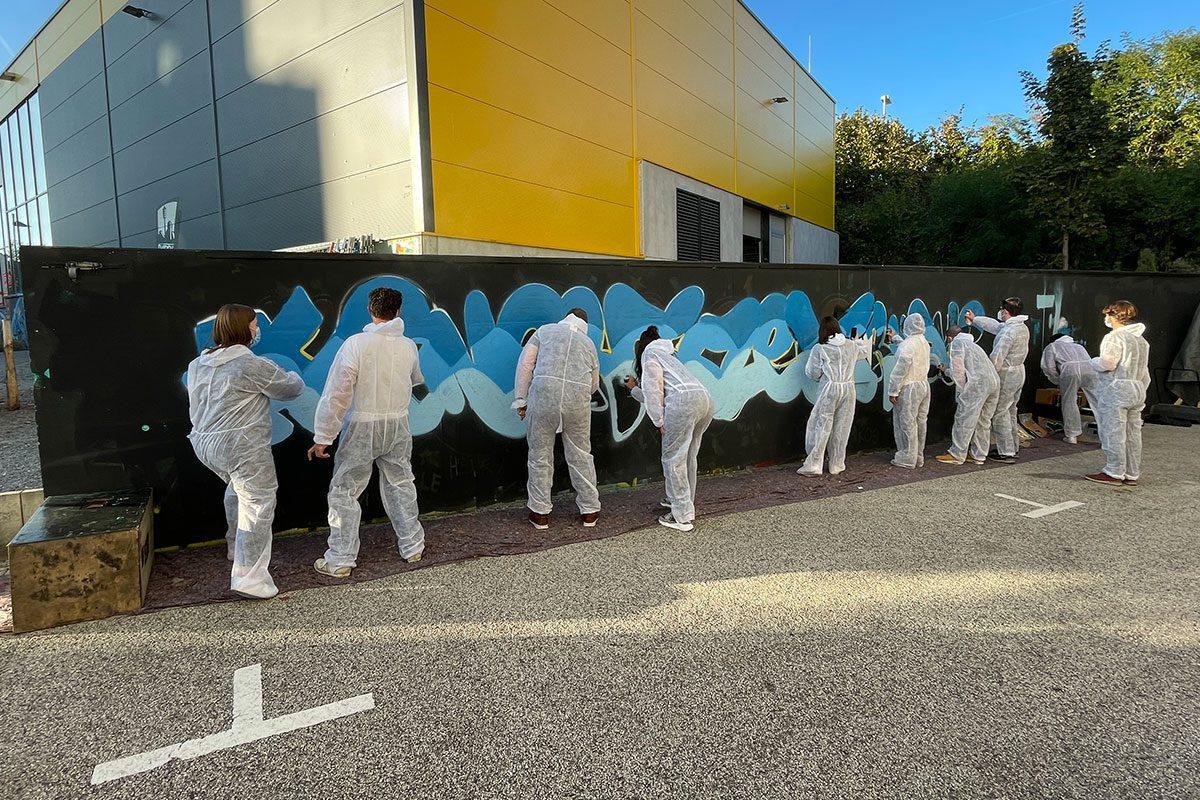 """Zusammen mit einer Abteilung der Daimler Truck AG hatten wir ein cooles Graffiti Teambuilding Event im Jugendhaus """"das CANN"""""""